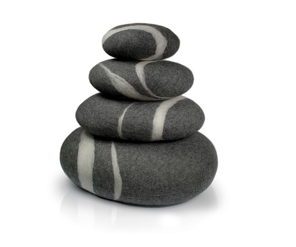 Filzkissen stONE No.4 Pebble Dark Gray